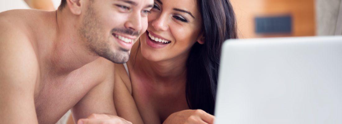 Pidżama czy porno? Czyli jak wykorzystać porno do ulepszenia seksu